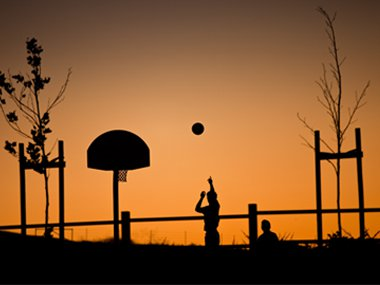 07-basketball-practice-alone-sl